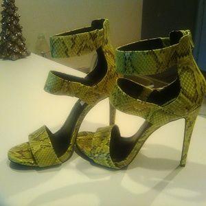 Steve Madden neon stiletto heels, size 9